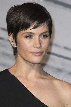 Style & Everything nice British Independent Film Awards - 008 - Gemma Arterton Online Media What Is Bob Hairstyles For Fine Hair, Short Hairstyles For Women, Cool Hairstyles, Short Haircuts, Halloween Hairstyles, Pixie Hairstyles, Hairstyle Ideas, Easy Hairstyle, African Hairstyles