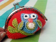 Monedero búho de crochet
