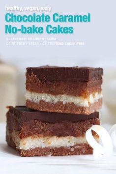 Chocolate Caramel Cakes. The BEST EVER easy chocolate caramel cakes, no-bake with three interesting, melt-in-your-mouth layers and all wholesome unprocessed ingredients. These cakes are vegan, dairy-free and gluten-free. #chocolatecakes #chocolatecaramelcakes #nobake #chocolateslices #veganchocolate #healthytreats
