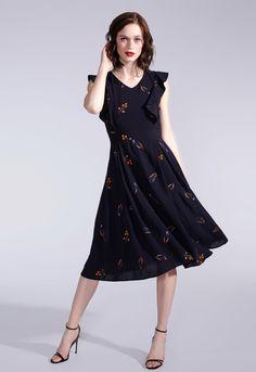 Mittellanges Sommerkleid in Schwarz mit bestickten Blumen