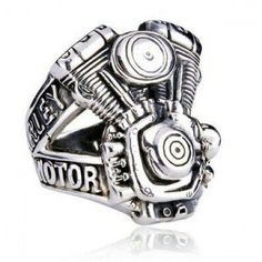 Harley Davidson Ring - I can think of nice ring. a few guys who would LOVE this! Harley Davidson Rings, Harley Davidson Motorcycles, Devon, Harley Davison, Skull Jewelry, Skull Rings, Gothic Jewelry, Men's Jewelry, Biker Rings