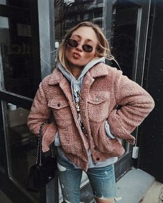 Teddy Coat | Streetstyle | Pink | Autumn | Inspiration | More on Fashionnchick
