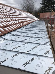 A standing seam zinc roof I did a while back on Osea Island, Essex. Standing Seam Roof, Zinc Roof, Quartz, Island, Texture, Projects, Crafts, Surface Finish, Log Projects