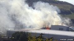 A section of roof at the National Library of Wales in Aberystwyth has been destroyed by fire.