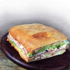 Muffuletta, a szendvicstorta Sandwiches, Food, Essen, Meals, Paninis, Yemek, Eten