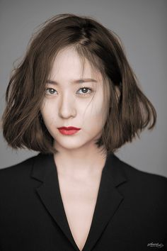 Krystal - f(x) Iu Short Hair, Short Hair Cuts, Korean Short Hair Bob, Korean Short Hairstyle, Short Bob Hairstyles, Girl Hairstyles, Iu Hairstyle, Medium Hair Styles, Curly Hair Styles