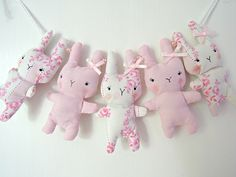 Made from vintage fabrics Baby Applique, Fabric Garland, Baby Swag, Leftover Fabric, Cross Stitch Baby, Cute Crafts, Cute Dolls, Sewing For Kids, Easter Crafts