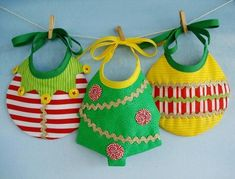 Sewing Projects For Kids, Sewing For Kids, Sewing Ideas, Christmas Baby, Christmas Sewing Patterns, Watermelon Baby, Easy Baby Blanket, Baby Crafts, Baby Bibs