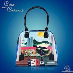 "El #Amor por #Venezuela nunca pasará de #Moda ""Coco en Caracas"" By @veturquesa  Shop Online: http://ift.tt/1T86GnH  Info@verdeturquesa.com.ve . #Carteras # DirectorioMModa #MModaVenezuela #DiseñoVenezolano #HechoenVenezuela #Venezuela #Fashion #Shoponline #Tendencias"