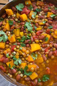 Lentil and Butternut Squash Chili - high in fiber and low in fat this vegetarian chili is packed with super healthy lentils, beans, butternut squash and ton of flavor! Chunky, hearty and perfectly seasoned belly-warming chili Veggie Chili, Vegetarian Chili, Vegetarian Recipes, Healthy Recipes, Chili Chili, Healthy Chili, Turkey Chili, Lentil Recipes, Chili Recipes
