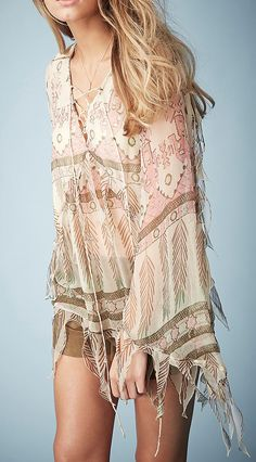 Boho chic loose fitting top with modern hippie fringe detail. FOLLOW http://www.pinterest.com/happygolicky/the-best-boho-chic-fashion-bohemian-jewelry-gypsy-/ now for the BEST Bohemian fashion trends.