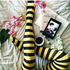23 Reasons Louisa Clark Is My Spirit Animal Emilia Clarke, Film Books, My Books, Little Bit, Quirky Fashion, Women's Fashion, Sam Claflin, Romance Movies, Movie Wallpapers