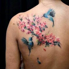 The tattoo hummingbird is considered a mainstream tattoo for women, although many men like it too. Tattoo hummingbirds can be presented in a va. Hummingbird Flower Tattoos, Hummingbird Tattoo Meaning, Hibiscus Tattoo, Hummingbird Symbolism, Mini Tattoos, Rose Tattoos, Body Art Tattoos, Sleeve Tattoos, Tatoos