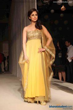 Urmila Matondkar wears a yellow anarkali by Manish Malhotra at LFW 2013
