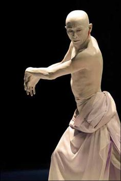 http://www.paris-art.com/spectacle-danse-contemporaine/tobari/amagatsu-ushio/5857.html