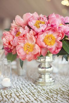 Top 15 Peony & Candle Centerpieces – Cheap Easy Design For Unique Spring Day Party - Homemade Ideas Summer Wedding Centerpieces, Candle Centerpieces, Wedding Decorations, Yellow Centerpieces, Ikebana, Deco Floral, Pink Peonies, Beautiful Flowers, Fresh Flowers