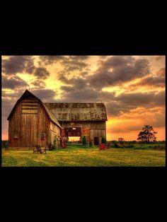 Gorgeous sunset.....Gorgeous barn