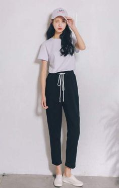 Love these korean fashion outfits Liebe diese koreanischen Mode-Outfits Fashion Male, Fashion Models, Fashion Guys, Ulzzang Fashion, Look Fashion, Trendy Fashion, Korea Fashion, Fashion Design, Trendy Style