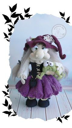 The witch and her frog friend Crochet Doll Pattern, Crochet Patterns Amigurumi, Amigurumi Doll, Baby Doll Clothes, Doll Clothes Patterns, Doll Patterns, Handmade Ideas, Etsy Handmade, Handmade Crafts