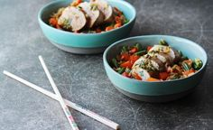 Asian-inspired recipe for Pork Fillet served with brown rice and a honey soy sauce. Vegetable Rice, Veggie Stir Fry, Pork Recipes, Asian Recipes, Ethnic Recipes, Healthy Family Meals, Healthy Snacks, Carrots And Green Beans, Chinese Pork