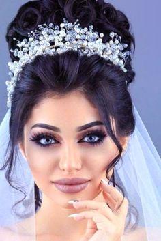 Bridal Hair Updo, Headpiece Wedding, Wedding Updo, Wedding Crowns, Bride Makeup, Wedding Hair And Makeup, Hair Makeup, Wedding Hairstyles With Crown, Bride Hairstyles