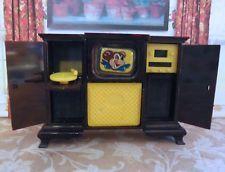 Ideal ENTERTAINMENT CENTER - TV Vintage Dollhouse Furniture Renwal Plastic 1:16 Mini Tv, Vintage Dollhouse, Dollhouse Furniture, Entertainment Center, Arcade Games, Plastic, Entertaining, Entertainment Centers, Entertainment System