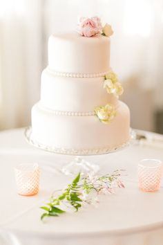 Sweet little cake: http://www.stylemepretty.com/california-weddings/burlingame/2015/03/02/romantic-bay-area-wedding/ | Photography: Hannah Suh - http://www.hannahsuh.com/