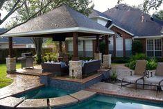 Freestanding patio cover in Missouri City