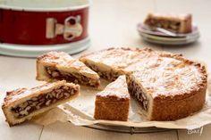 Deze Zwitserse walnotentaart is een feestje om te eten! De romige karamelvulling vormt een mooi contrast met het deeg. Baking Recipes, Cookie Recipes, Dessert Recipes, Pie Cake, No Bake Cake, Cake Cookies, Cupcake Cakes, Cupcakes, Baking Bad