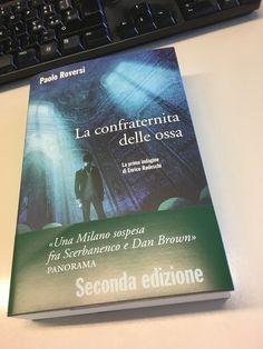 Arriva in libreria la ristampa de #ConfraternitaOssa con la fascetta: grazie a chi l'ha già letto e a chi lo farà!