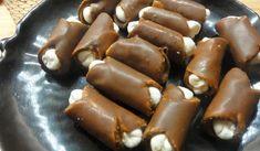 Jak udělat nepečené ořechové trubičky   recept Czech Recipes, Churros, Pretzel Bites, Cake Pops, Christmas Cookies, Ham, Cake Recipes, Sausage, Sweet Tooth