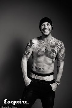 Tom Hardy Goes Shirtless For 'Esquire UK', Talks Losing Oscar Bet to Leonardo DiCaprio! Tom Hardy flashes a big smile and strips off his shirt for Esquire UK magazine's January 2017 issue, available on newsstands today (December Here's what… Tom Hardy Interview, Gorgeous Men, Beautiful People, Beautiful Smile, Greg Williams, Esquire Uk, Mode Man, My Tom, Hommes Sexy