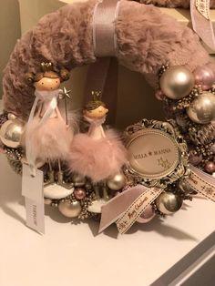 Xmas Wreaths, Door Wreaths, Christmas Fashion, Winter Christmas, Handmade Christmas, Christmas Crafts, Xmas Decorations, Ornament Wreath, Creations