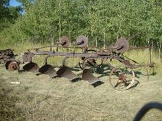 Massey Harris Four Bottom Plow - Modern Antique Tractors, Old Tractors, Farm Tools And Equipment, Tractor Machine, Tractor Implements, New Farm, Country Farm, Country Living, Vintage Farm
