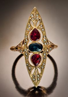 Beautiful Jewelry Art Deco Ruby, Sapphire and Diamond Ring St. Bijoux Art Nouveau, Art Nouveau Jewelry, Jewelry Art, Antique Jewelry, Vintage Jewelry, Fine Jewelry, Jewelry Design, Jewelry Rings, Vintage Brooches