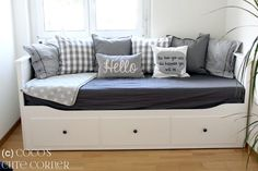 Boho Deco Chic: Charming Divan Hemnes, which idea do you prefer?Divan Hemnes with charm, which idea do you prefer? Ikea Hemnes Daybed, Hemnes Day Bed, Ikea Sofa Bed, Sofa Beds, Cama Ikea, Murphy Bed Ikea, Murphy Bed Plans, Guest Bedroom Decor, Guest Room Office