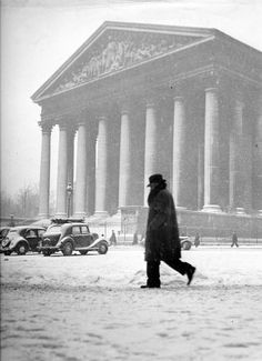 Paris circa 1940 Robert Doisneau