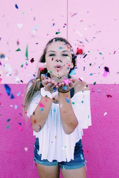 Pink Wall Photo shoot with Confetti #photoshoot #photoshootidea #kidphotoshoot