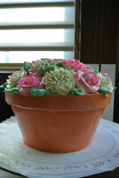 Flower pot cake Flower Pot Cake, Flower Pots, Flowers, Cupcake Cakes, Cupcakes, Party Entertainment, Let Them Eat Cake, Mothers, Cake Decorating