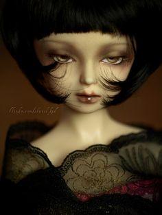 """Chantal gold 2"" by Shaiel (Flickr)"