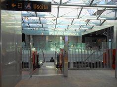 L'ingresso nella stazione Garibaldi della Linea 1 della metropolitana di Napoli.