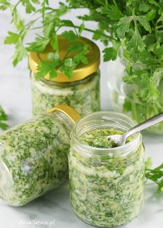 Domowe pesto z pietruszki. Homemade pesto with parsley. Homemade Pesto, Parmesan, Breakfast Lunch Dinner, Happy Foods, Antipasto, Fresh Rolls, Superfood, Summer Recipes, Gluten Free Recipes