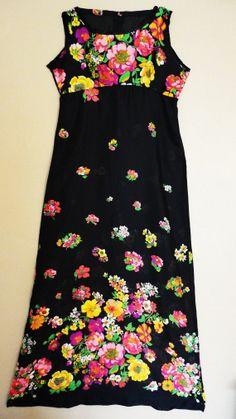 Robe  Noire transparente à Fleurs Vintage par BettyseVintage
