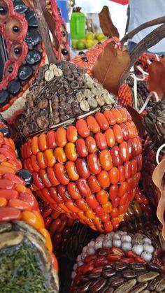 Grain Art Fall handmade decor Acorns made of seeds/ decoración de Otoño bellotas hechas a mano Arte con granos y semillas por Decoesferas