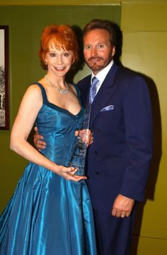 2002-05-22 Reba McEntire ♥ in her dressing room just after the ending of the 37th Academy of Country Music Awards Show