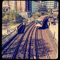 #instagood #instaphoto #hamburg #hh #welovehh #ilovehh #igershamburg #moinmoin #hamburgerecken #hhahoi #wearehamburg #wirsindhamburg #instahamburg #ig_hamburg #hamburgcity #hamburglove #hamburgliebe #hamburgmeineperle #torzurwelt #lovesgermany #zug #train #traintracks #retro #sweetdreamsmag #mafia_streetlove #landscape #streetview