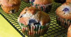 Perfect with a cup of coffee or a cup of tea, these blueberry muffins are your ideal companions for relaxing conversations with the people you love!