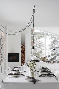 ¡Todos a la mesa con dos estilistas nórdicas! | Decorar tu casa es facilisimo.com