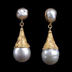 Baroque pearl drop