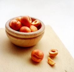 Peaches 1/12 Scale Dollhouse Miniature Food. $9.50, via Etsy.
